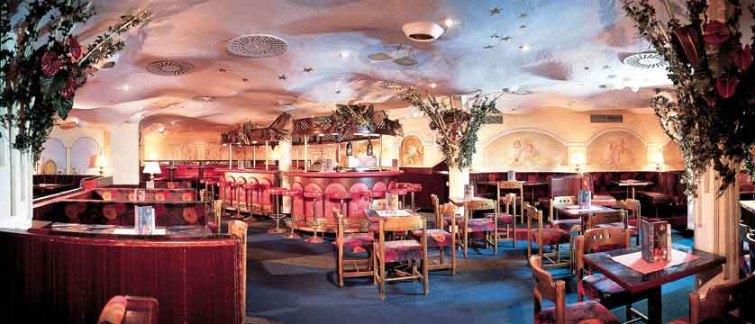 austria_seefeld_fereinhotel-kaltschmid_dining-room.jpg